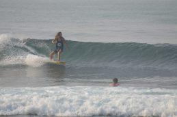 Felix surfing Madiha Surf Point Sri Lanka 2018 November (S1) (7)