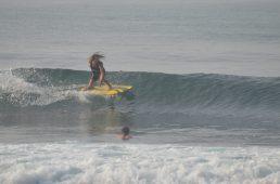 Felix surfing Madiha Surf Point Sri Lanka 2018 November (S1) (9)