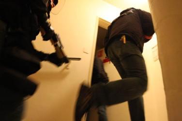 police scientifique flics de banlieue Émeute de banlieue