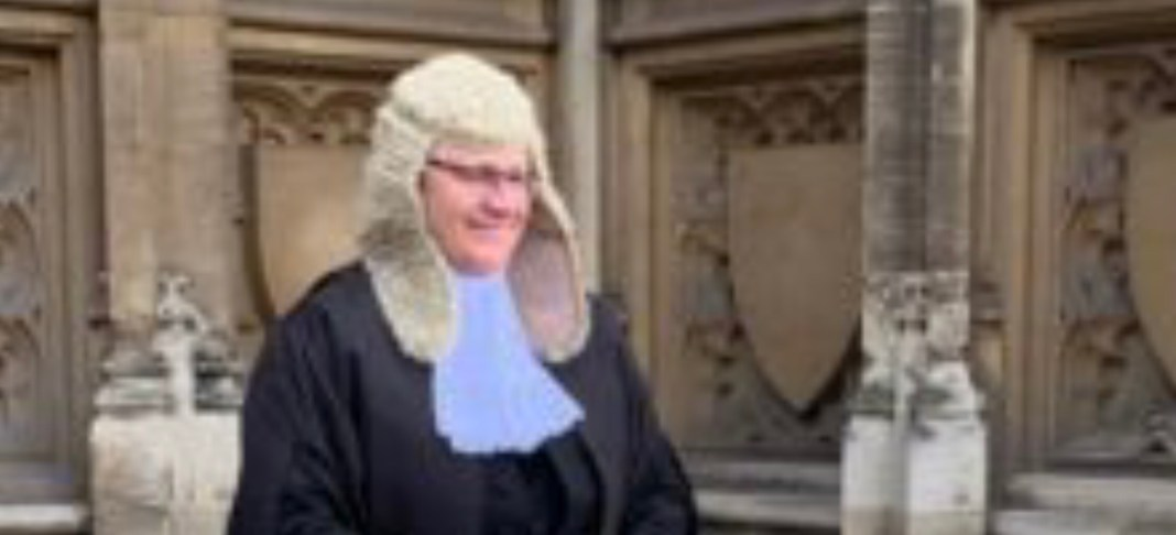 Barrister of Law Nigel. R. Edwards QC offers Police Officers Free legal advice in relation to Hard Stops 4