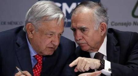 Jefe de la Oficina de la Presidencia de México deja el cargo