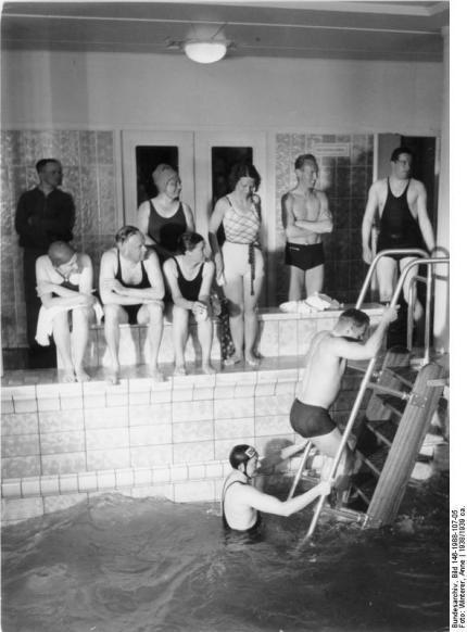 """KdF-Schiff """"Wilhelm Gustloff"""", Schwimmbad"""