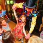Как развлечь детей на свадьбе