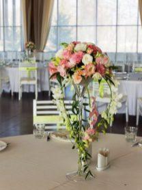 оформление гостевых столов декоративными цветами