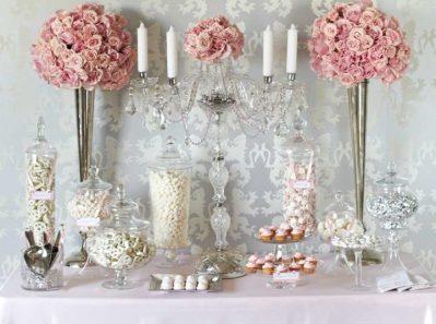 Канделябр белый для украшения свадьбы