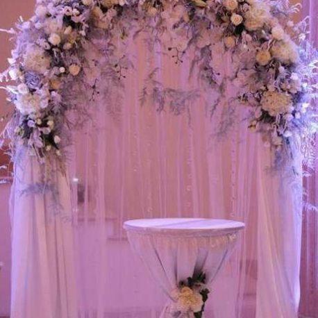 Арка на свадьбу сиреневая