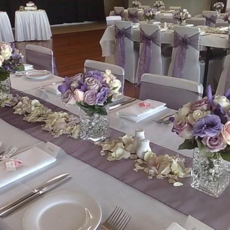 Дорожка на гостевые столы в фиолетовом цвете