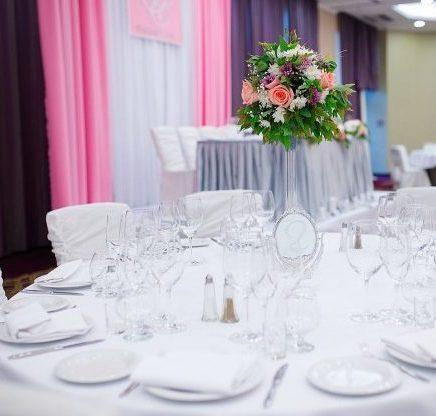Сиреневое оформление свадьбы Москва