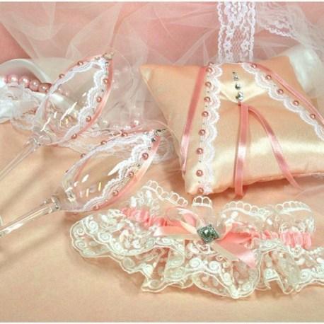 Свадебные бокалы в персиково стиле