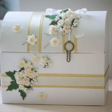 Сундучок для денег на свадьбу в бело-зеленом цвете