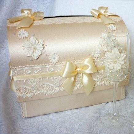 Сундучок для денег на свадьбу в бежевом цвете