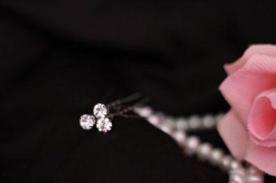 шпильки с фионитом в свадебную прическу
