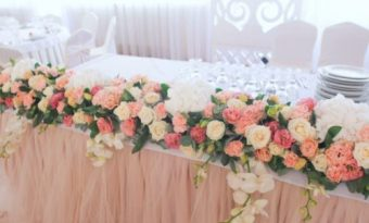 Живые цветы на свадьбу в розовом