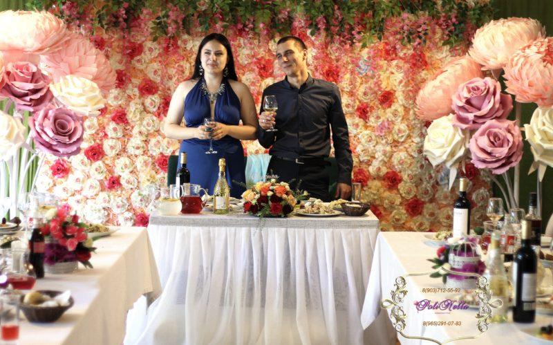 Свадебный зал декор цветами