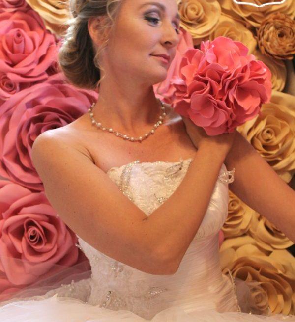 Свадебная укладка с применением техники начеса