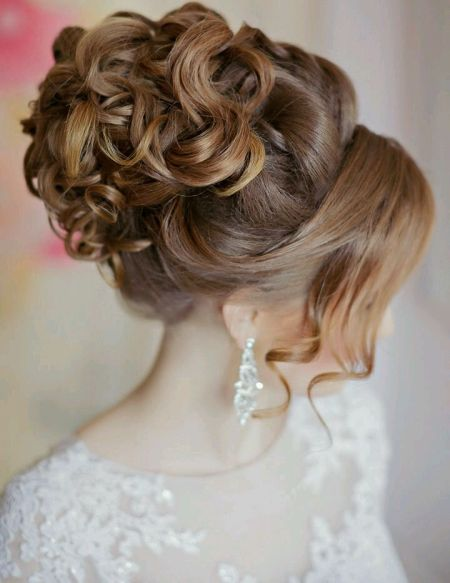Свадебная прическа и макияж с выездом на дом парикмахера