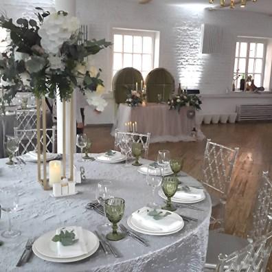 Оформление гостевых столов на свадьбе в стиле лофт