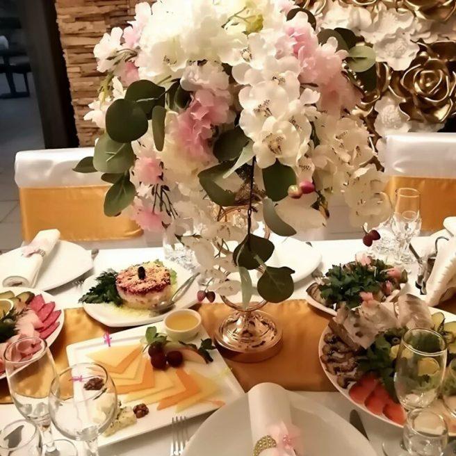Украшение столов гостей на свадьбу