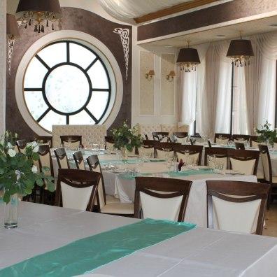 Украшение столов для гостей на свадьбу