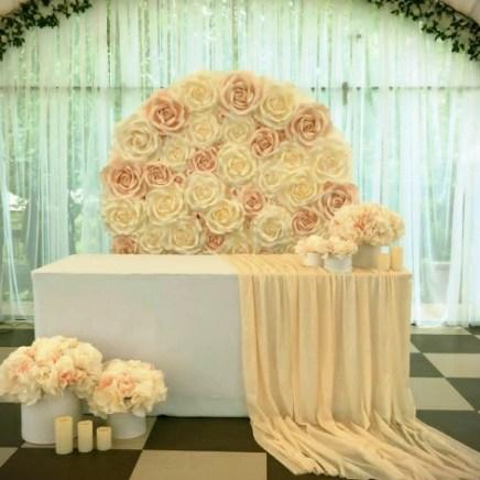 Оформление свадебного президиума в шатре
