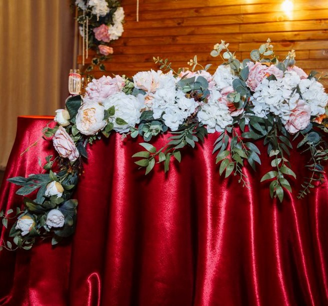 Свадьба красного цвета