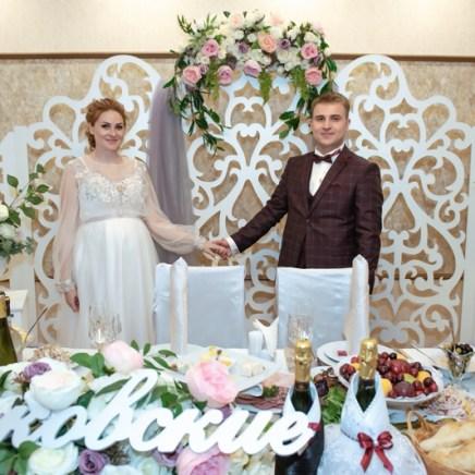 Украшение зала на свадьба в пудровом цвете
