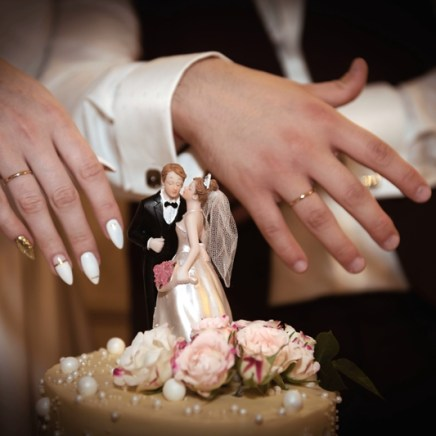 Украшение стола на свадьбу в пудровом цвете