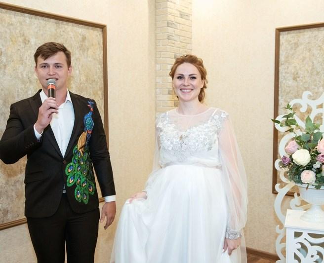 Украшение зала на свадьбу в белом цвете