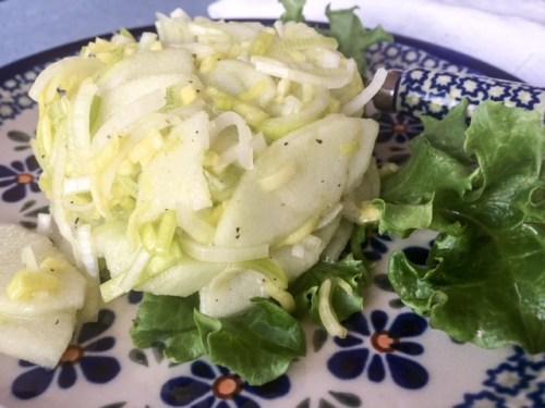 Salatka z Pora i Jablka - Polish Leek and Apple Salad