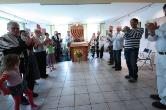 photo: Welcoming the new Jews by choice on Shabbat morning
