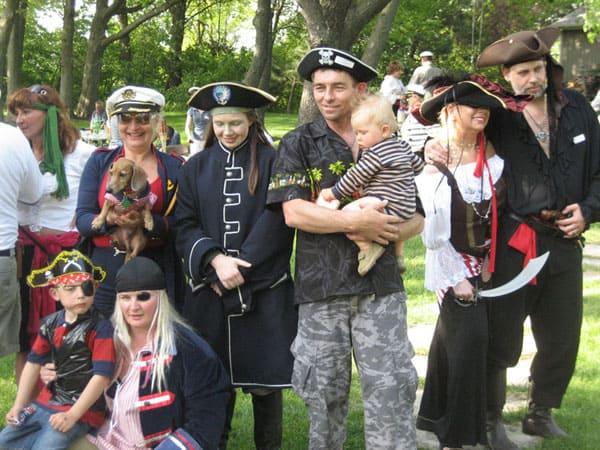Zeglarze, Marynarze, Piraci