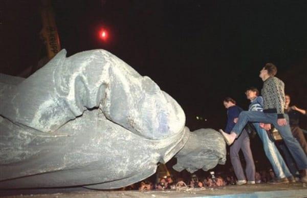 Pomnik poświęcony pamięci 3500 zamordowanych