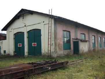 Engine shed and standard gauge wagon transporter
