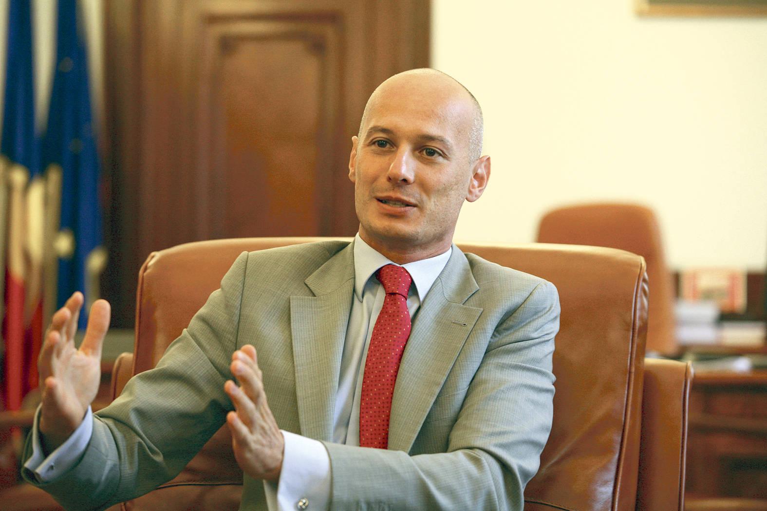 UPDATE! Viceguvernatorul BNR Bogdan Olteanu a fost reținut ...  |Bogdan Olteanu