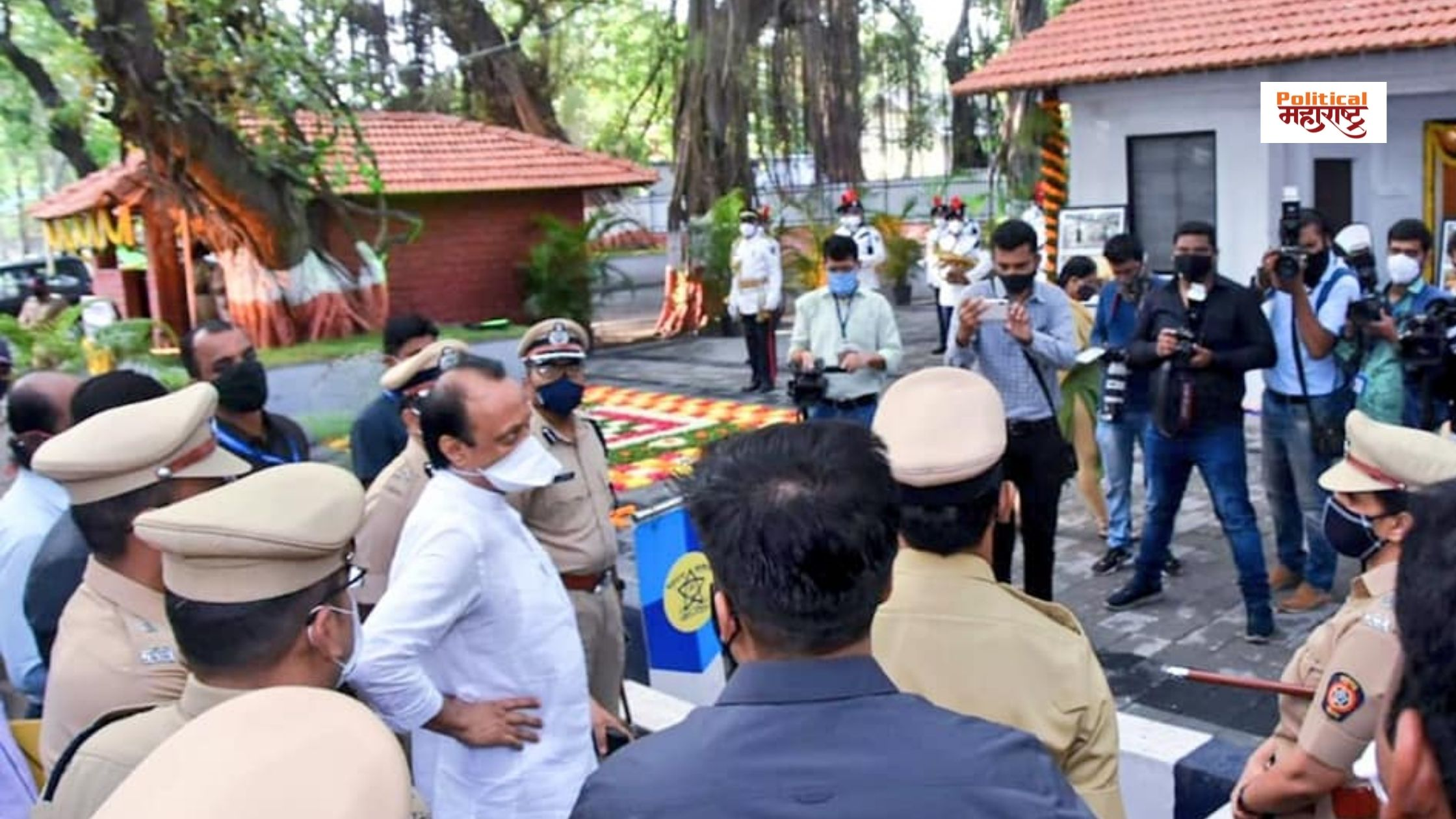 Ajit Pawar got angry with the commissioner along with the police construction contractor over the construction at the police headquarters