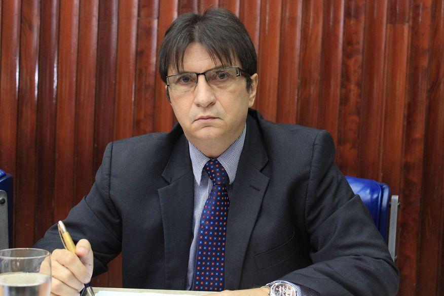 Janduhy Carneiro volta à AL , assumindo vaga de Felipe Leitão