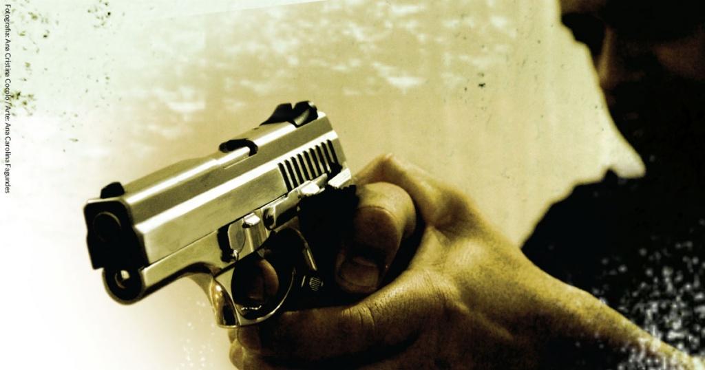 Às vésperas do carnaval, a folia das armas e munições. Bolsonaro amplia decretos federais