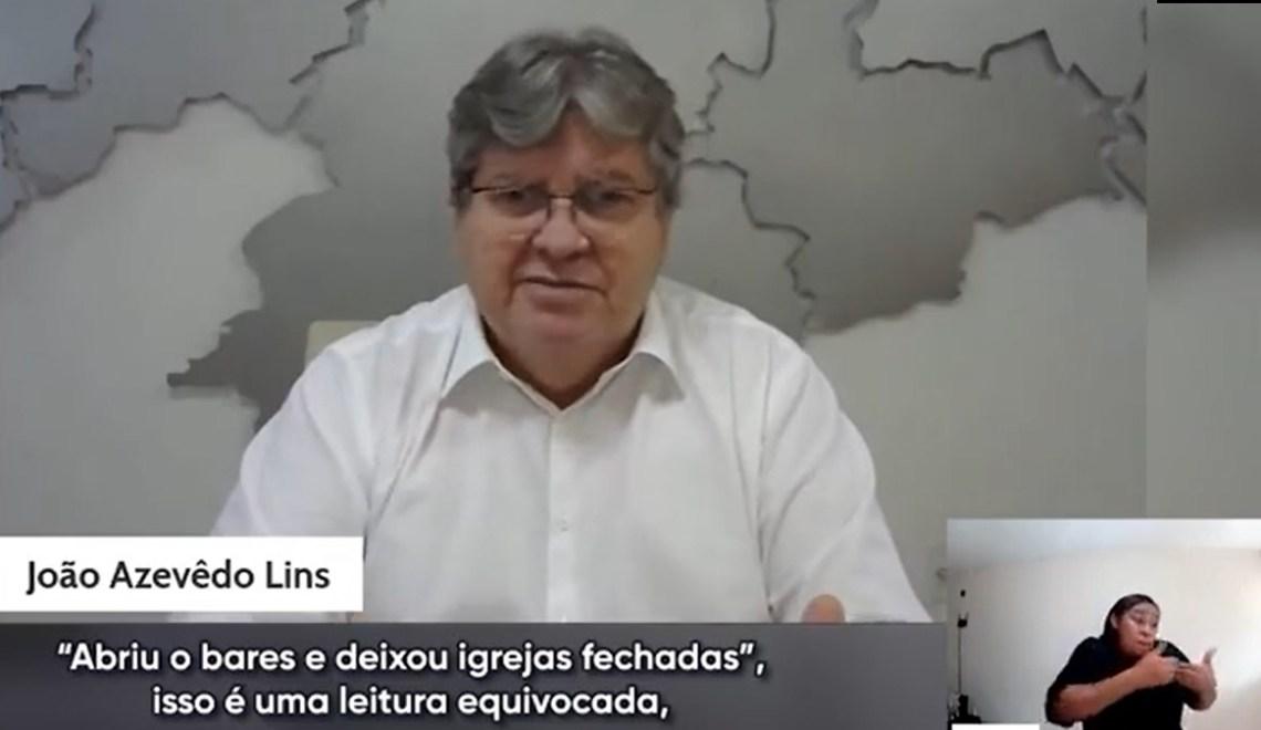 """""""Abriu bares e deixou igrejas fechadas"""". João Azevêdo rebate críticas em vídeo"""