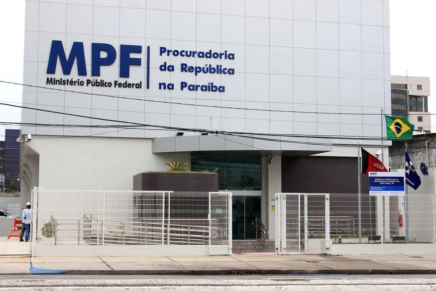 MPPB e MPF pedem explicações sobre suspensão da vacinação contra a covid-19 em João Pessoa