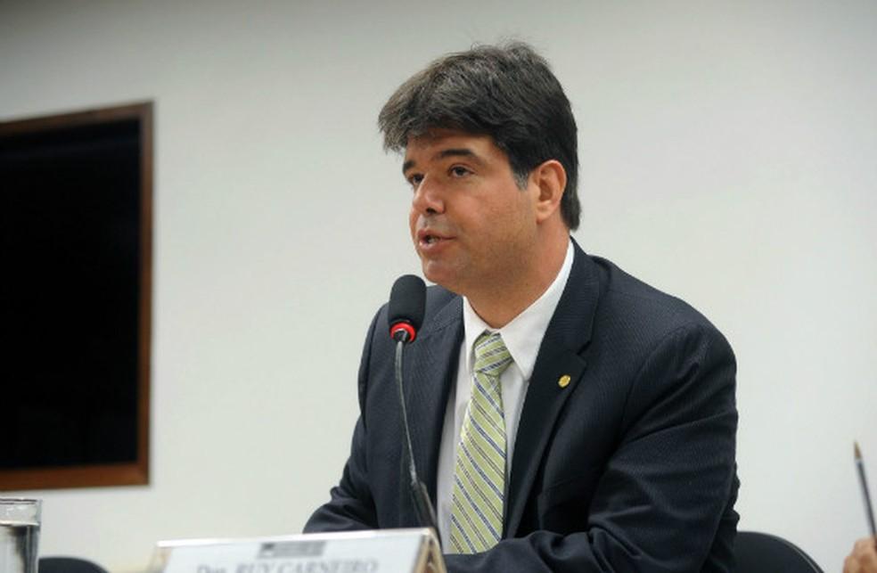 Deputado defende que prioridade de políticos seja o combate à pandemia da covid-19