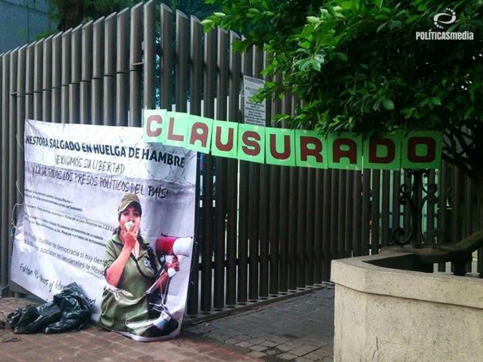clausuraron de manera simbólica las instalaciones donde se ubica la Dirección General de Centros Penitenciarios