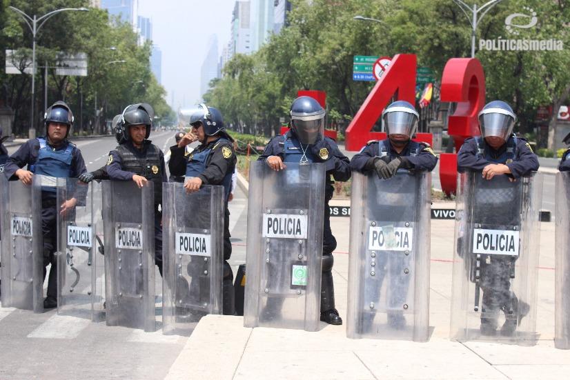 Movilización por el día del maestro en la Ciudad de México, CNTE marcha en Defensa de la Educación Pública. Foto: Tiyako Felipe.