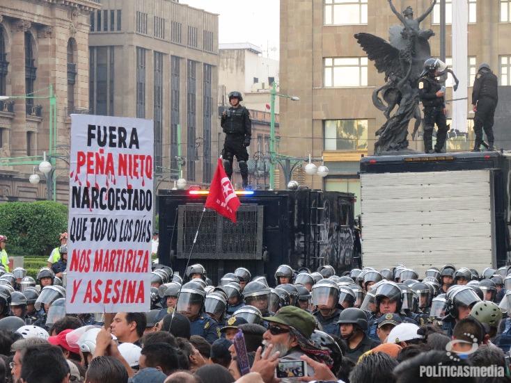 Marcha Nacional Magisterial Popular, Ciudad de México | Fotografía: El Bolche.