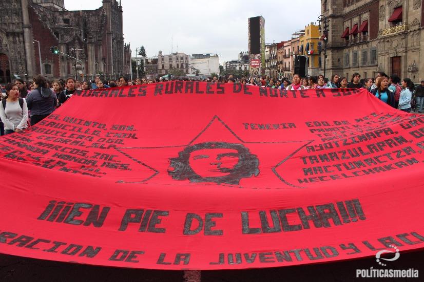 Movilización a dos años de Ayotzinapa en la Ciudad de México. Fotografía: Tiyako Felipe   Políticas Media.