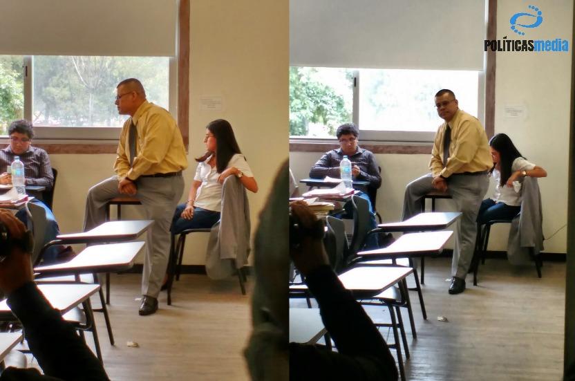 Profesor Seymur Espinoza en el salón de clases de la FCPyS.