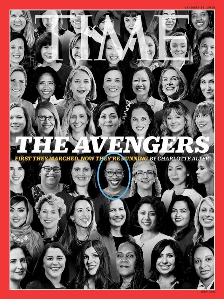 """La icónica, y quizá histórica portada de la revista """"Time"""", dedicada a """"Las Vengadoras"""", las cientos de miles de mujeres que manifestaron su rechazo a Trump en marchas, en activismo dentro de organizaciones locales, y que compitieron por escaños en la Cámara de Representantes, además de participar en elecciones senatoriales y para las gubernaturas estatales, el pasado 6 de noviembre de 2018. En el círculo aparece la enfermera Lauren Underwood."""