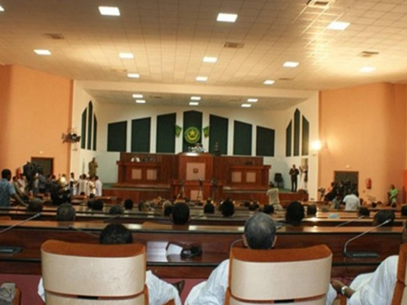 لجنة التحقيق البرلمانية تستدعي رجال أعمال ومعارضين
