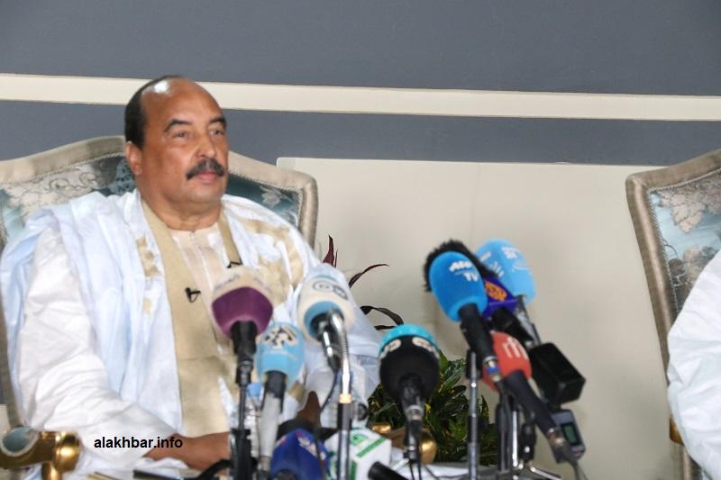 صحيفة أجنبية: لجنة التحقيق البرلمانية توثق فساد سنوات حكم ولد عبد العزيز