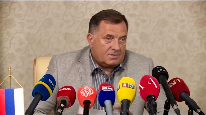 Dodik: Zabranićemo okupljanje više od dve osobe na javnim mestima