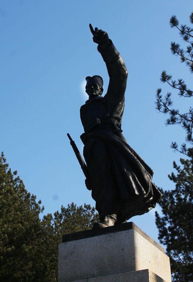 Imamo li pravo da preživimo kao narod: Naši stari nisu mogli da budu robovi, mi u ropstvu vidimo napredak